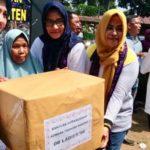 Ketua Bhayangkari Polda Banten Berikan Bantuan Peralatan Sekolah Bagi Korban Tsunami