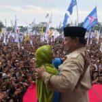 Dipeluk Prabowo Waktu Kampanye, Sang Nenek Ungkap Dibayar 500 Ribu